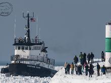 Stuck Tug in Holland, Michigan......