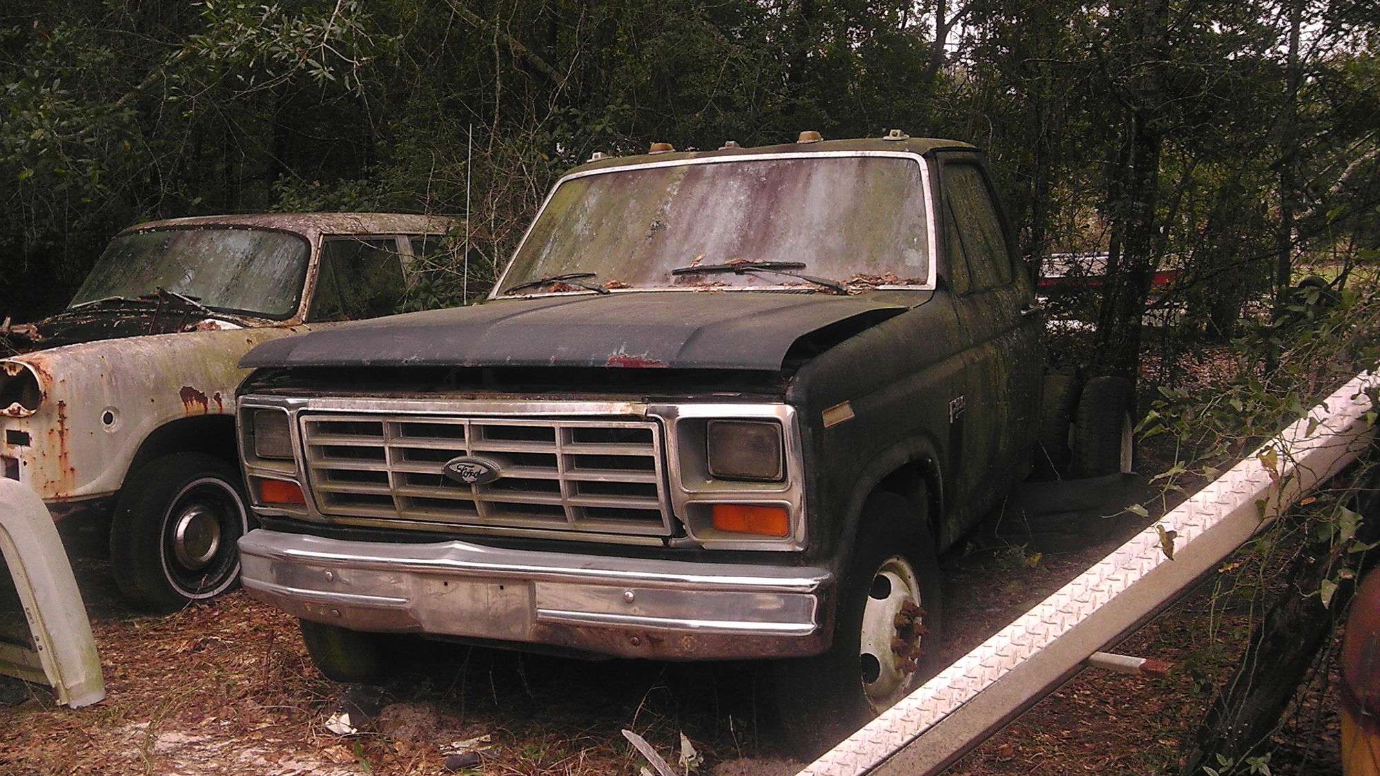 85 F350 4 Speed Diesel Dually For Parts Explorer Seats