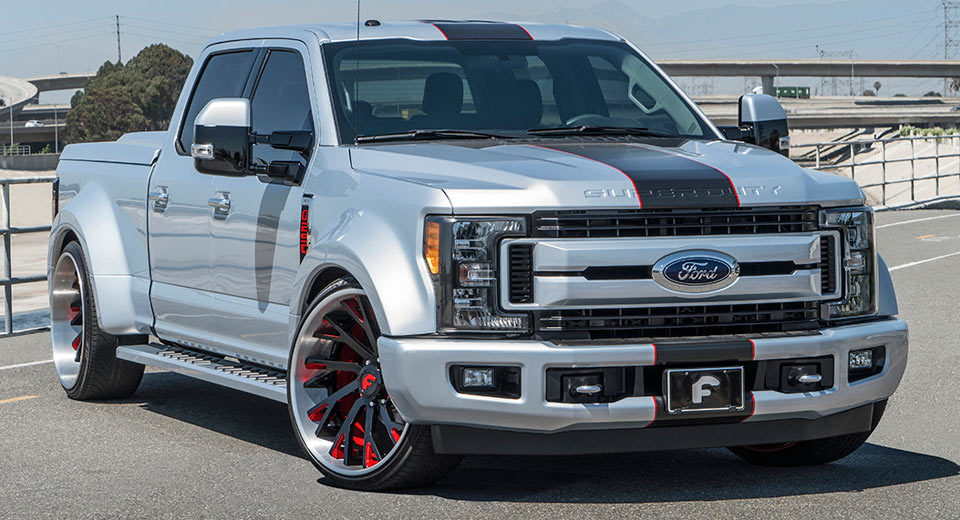 Slammed Super Duty (not mine) - But otherwise nicely ...