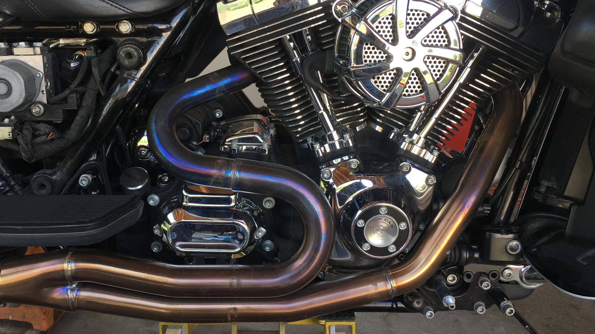Exhaust valve damage? - Harley Davidson Forums