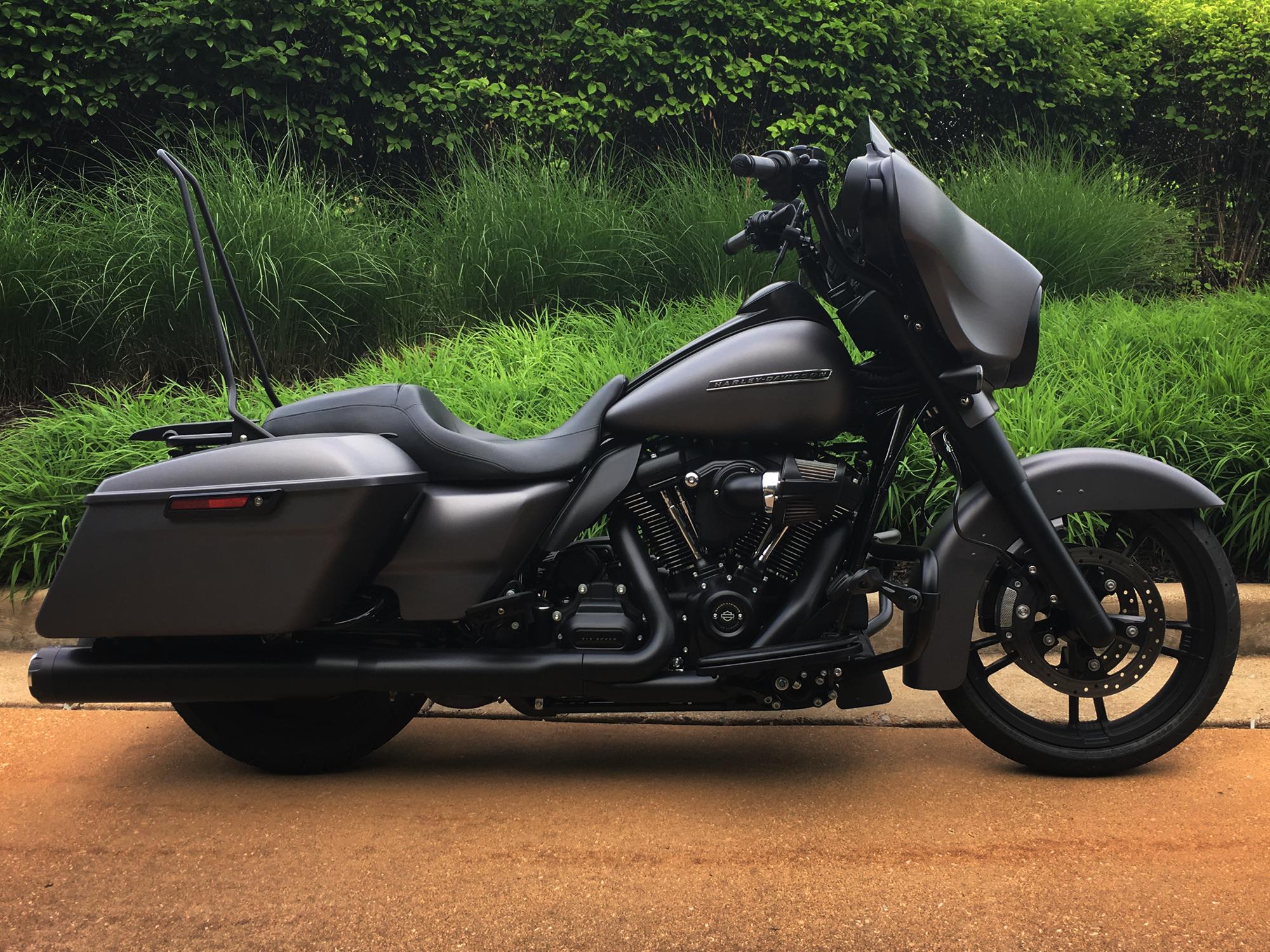"Custom Quick-Release 24"" Sissy Bar for 2009-2018 Harley ..."