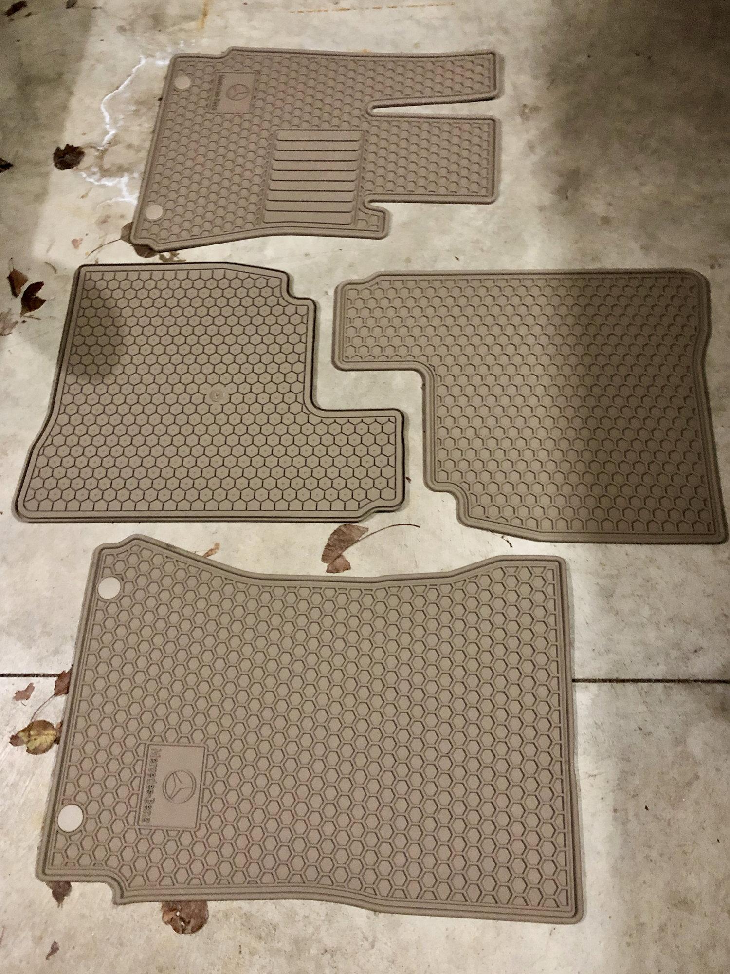 Rubber Rear WeatherTech W221 Floor Mat