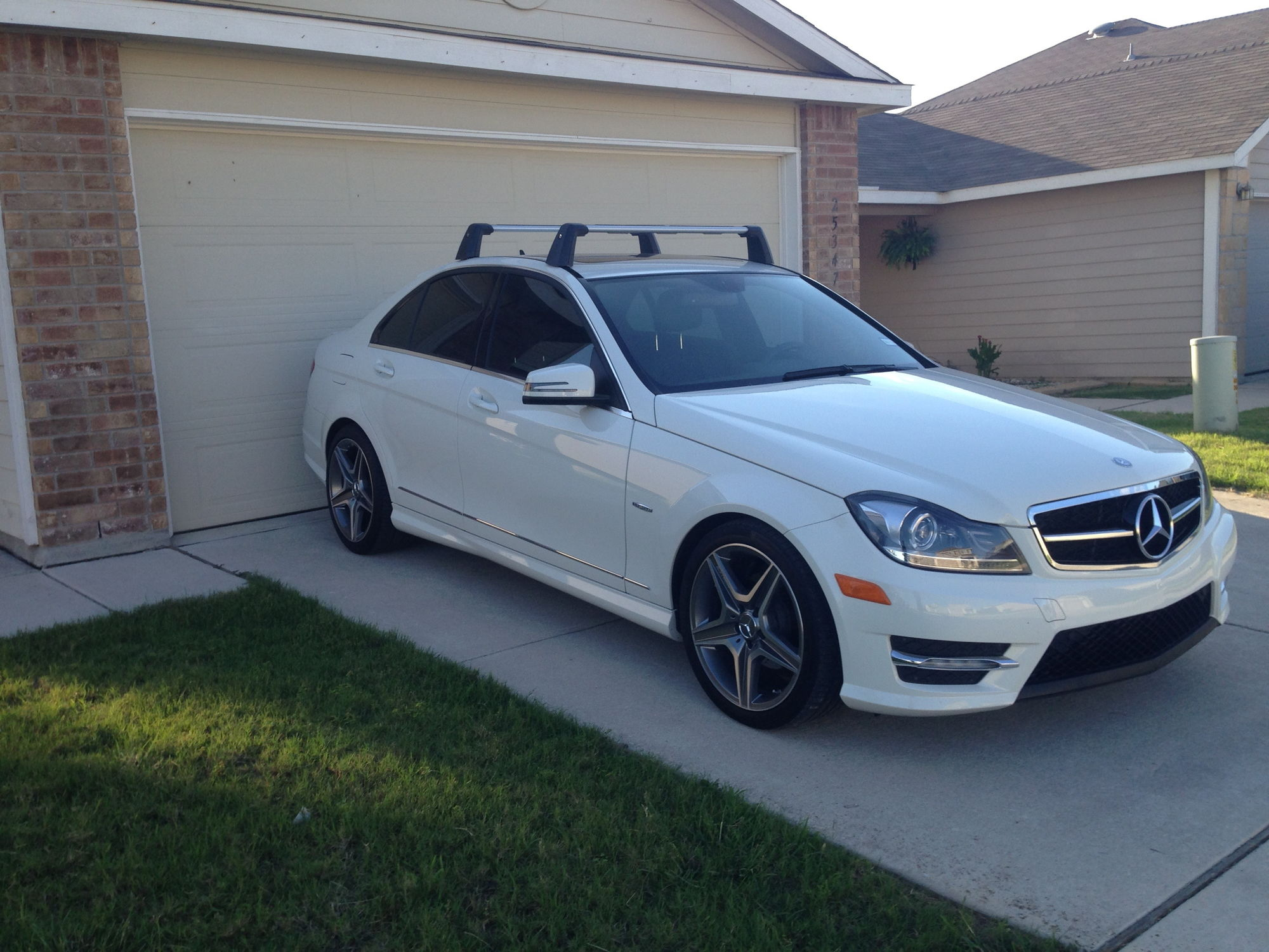 Fs Oem W204 Roof Rack W 2 Bike Carriers Mbworld Org Forums