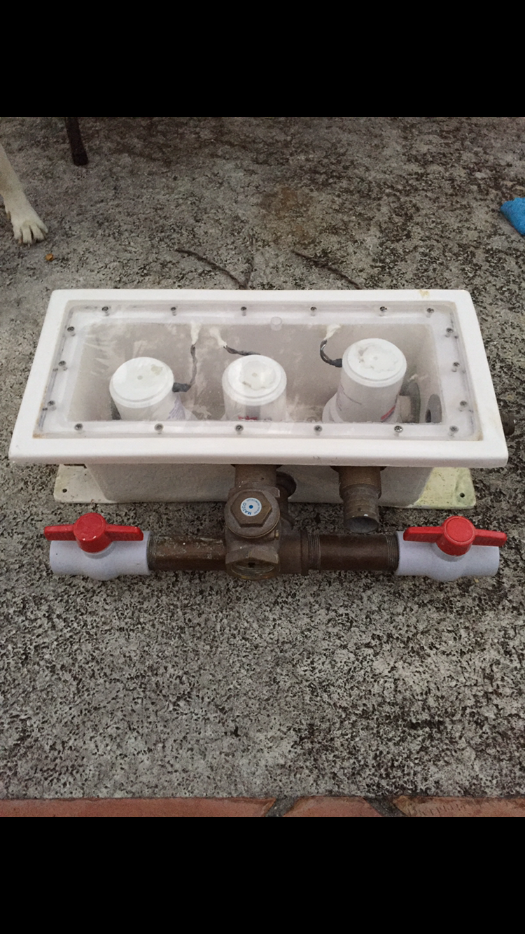 How Much Is A Starter >> Livewell Seachest - Pump Box - 3 pumps - $450 - The Hull ...