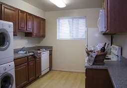 Reviews & Prices for Charlesgate Apartments, Towson, MD