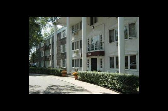 Image Of Larpenteur Manor Apartments In Saint Paul, MN