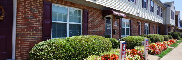 College Square at Harbour View Townhouse Apartments