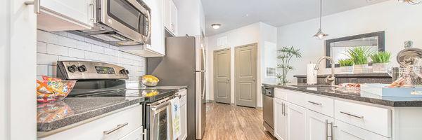 400 Rhett Apartments