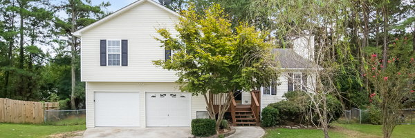 444 River Trace Dr
