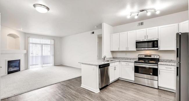 Allure Apartments 38 Reviews Denver Co Apartments For Rent Apartmentratings C