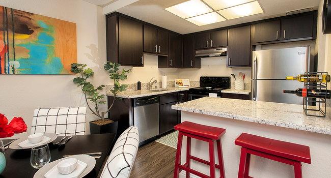 Meridian Terrace Condominium Rentals - 48 Reviews