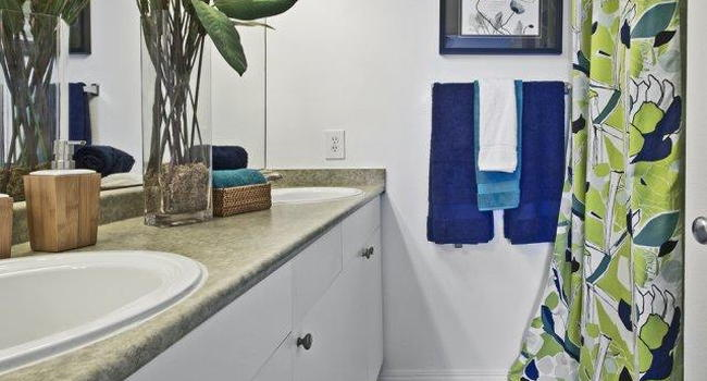 Bella Vista - 88 Reviews | Renton, WA Apartments for Rent ...