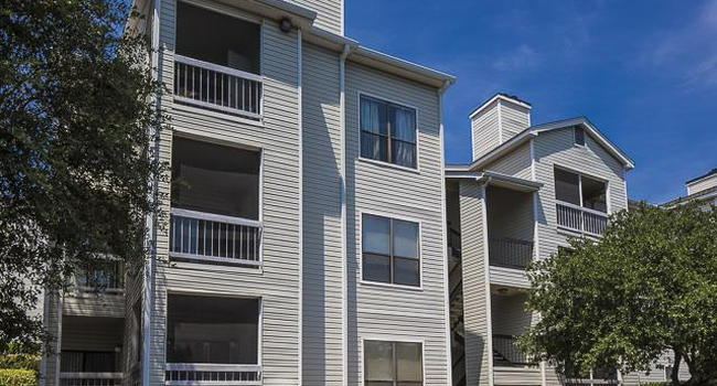 Landmark at Pine Court Apartment Homes - 194 Reviews