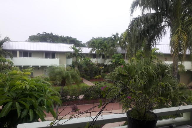 Resident Photo Of Kendall House Apartments In Miami Fl